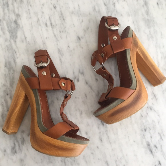 89b5586b1 Gucci Shoes | Leather Wooden Platform Heels Pumps Sandals | Poshmark